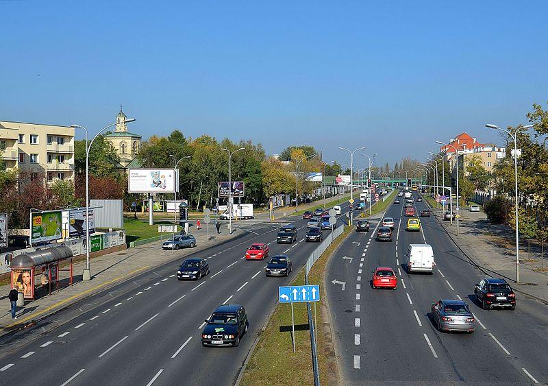 800px-Ulica_Czerniakowska_05