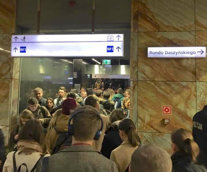 Czybudowa nowych stacji Ilinii metra naprawdę jest taka pilna?