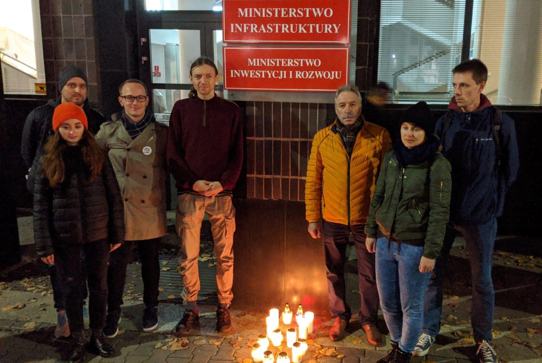 17 listopada – Światowy Dzień Pamięci Ofiar Wypadków Drogowych
