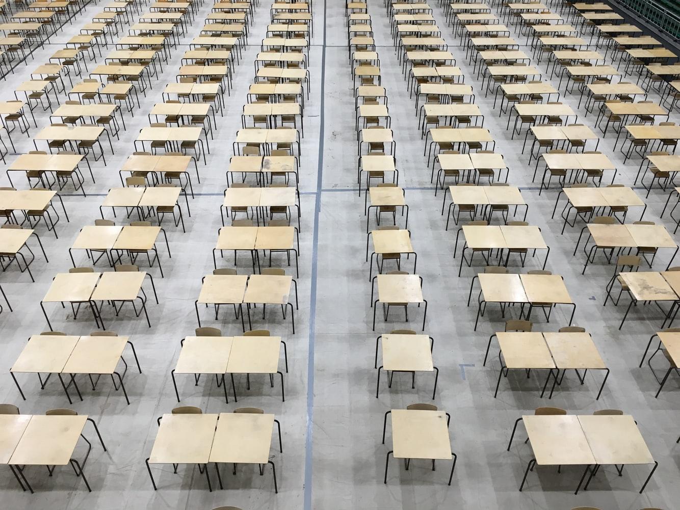 Dzięsiątki tysięcy dzieci bezpomocy psychologicznej wwarszawskich szkołach